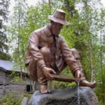 Goldwäscher Statue